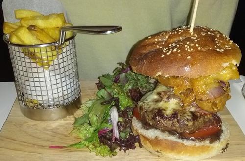 Full Monty burger
